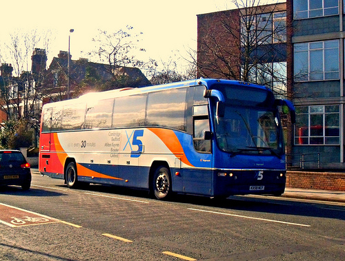 2008 Volvo B9R by Tom Ellis