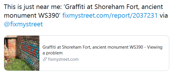 Tweet showing a picture pulled through from a FixMyStreet report